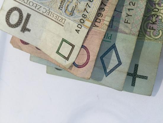 Komu najszybciej rosną pensje?