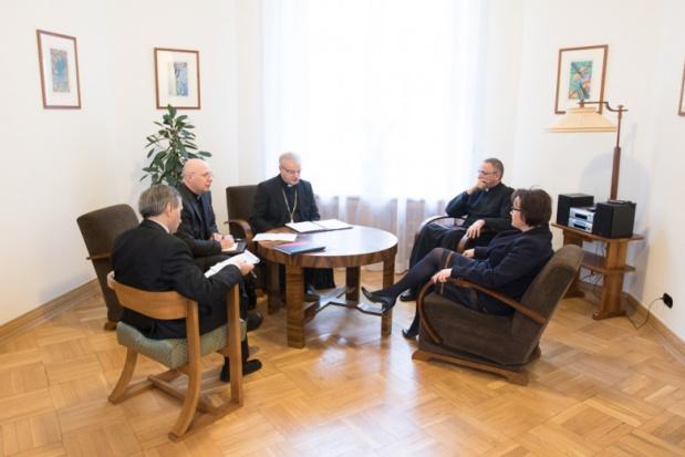 Kwalifikacje nauczycieli religii: Minister Anna Zalewska rozmawiała z przedstawicielami Episkopatu o katechetach