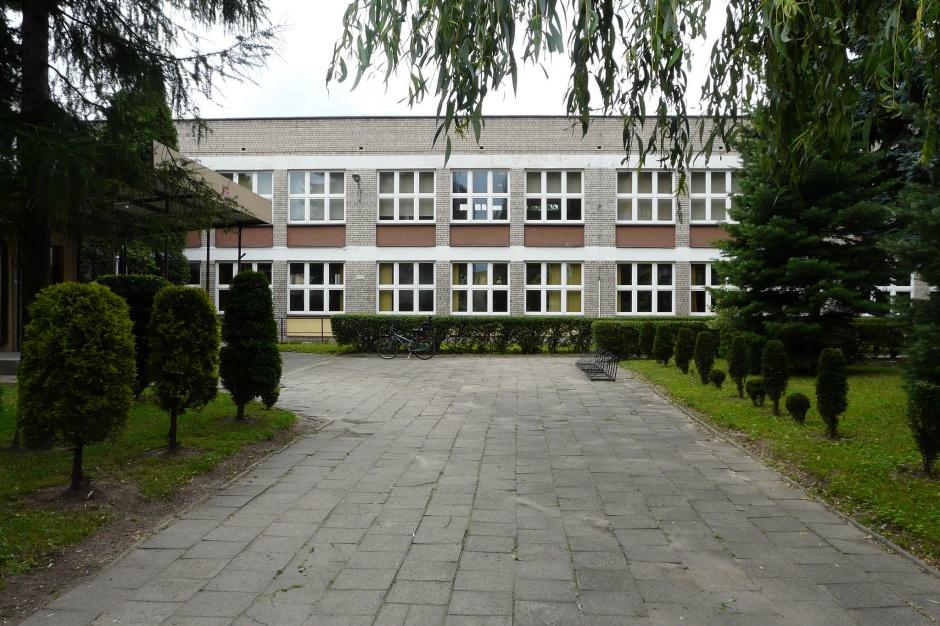 Wiceminister edukacji o przygotowaniu szkół do opieki nad dziećmi sześcioletnimi