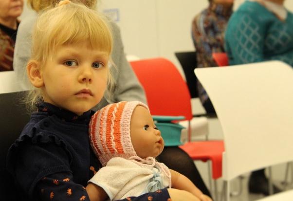 500 zł na dziecko: Co z domami dziecka? PO chce by samorządy tworzyły fundusze powiernicze dla dzieci z pieczy zastępczej