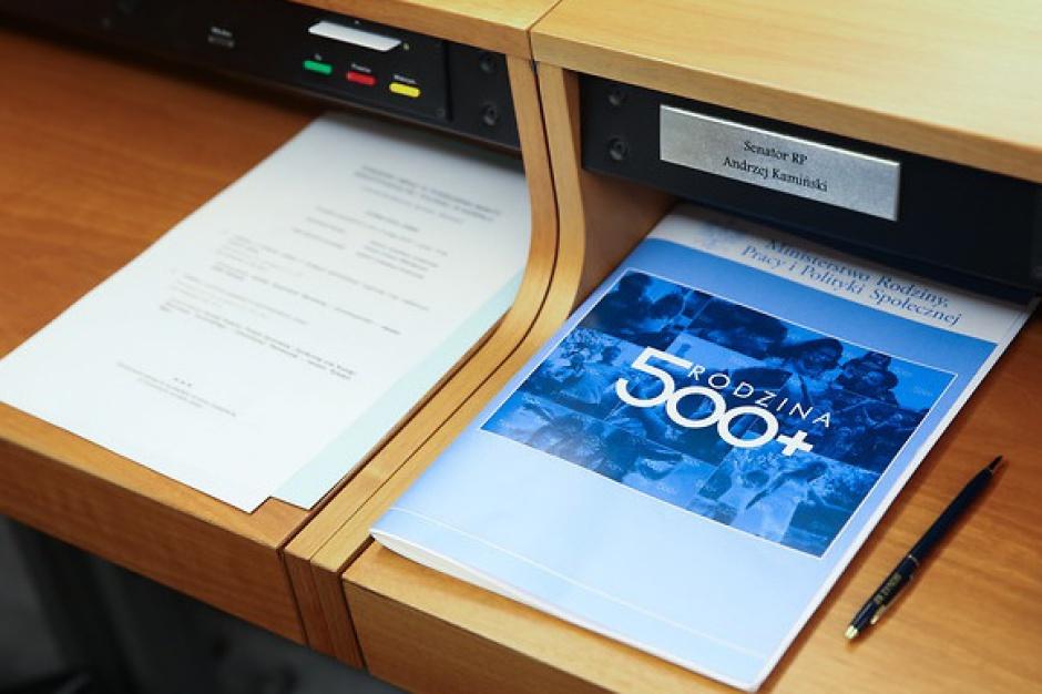 Ustawa wprowadzającą program 500 plus została przyjęta przez Senat