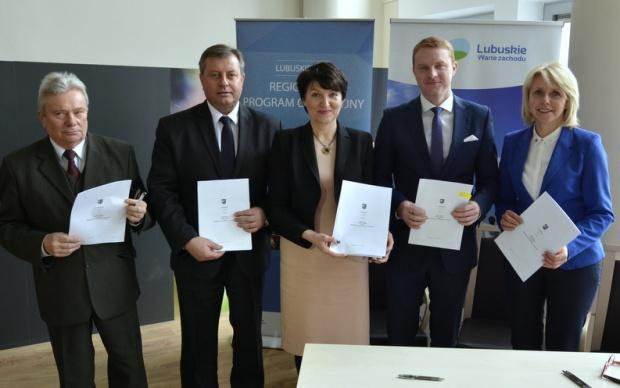 """Kontrakt Lubuski: Cztery partnerstwa gmin podpisały porozumienia na tzw. """"małe ZIT-y"""""""