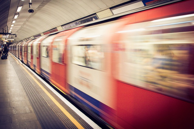 Kraków: Metro lub rozwój szybkiego tramwaju rozwiąże problemy komunikacyjne