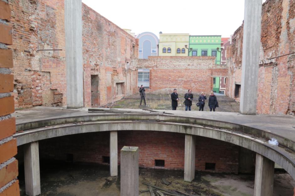 Głogów chce odbudować teatr. Ruiny straszą od II wojny światowej