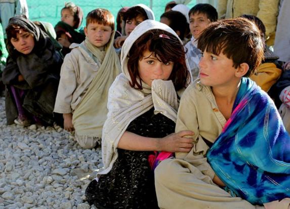 CBOS: Rośnie liczba przeciwników przyjmowania uchodźców