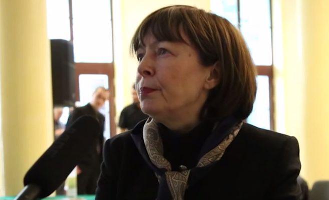 Ewa Leś, ekspertka z Instytutu Polityki Społecznej UW (Fot. Youtube)