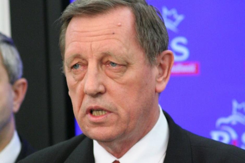 Minister Środowiska Jan Szyszko chwali Czechom program KAWKA