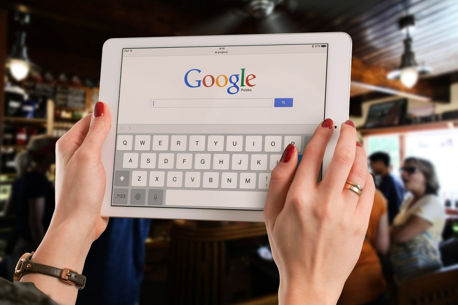 Chcą nauczyć dzieci i rodziców internetu