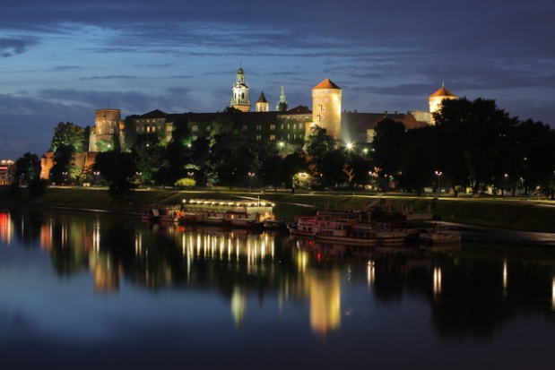Kraków oświetli Bulwary Wiślane. Będzie też jaśniej pod Wawelem