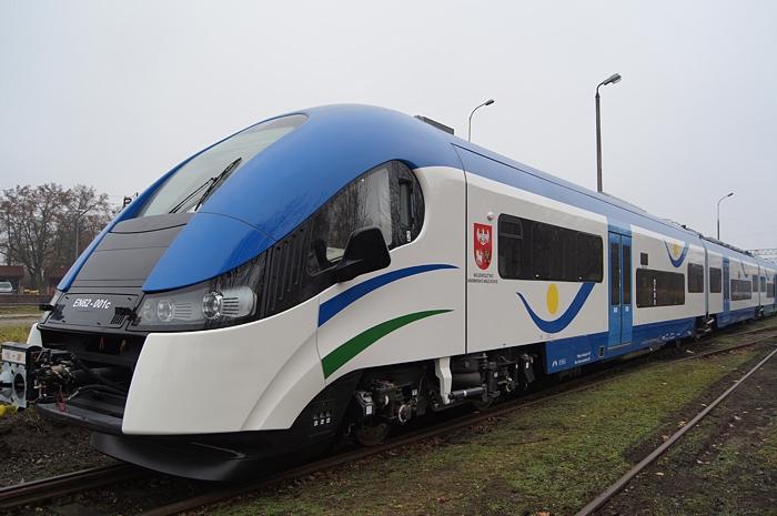 Wyprodukowane w zakładach Pesa pociągi klasy Elf trafiły do kilku samorządowych spółek kolejowych. (Fot. : www.pasazer.utk.gov.pl).