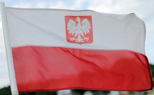 Warszawa, Dzień Pamięci Żołnierzy Wyklętych: Na placu Piłsudskiego podniesiono biało-czerwoną flagę