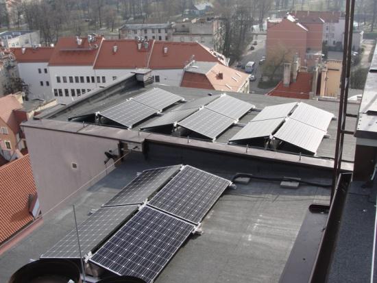 Legnica: panele słoneczne na dachach wieżowców