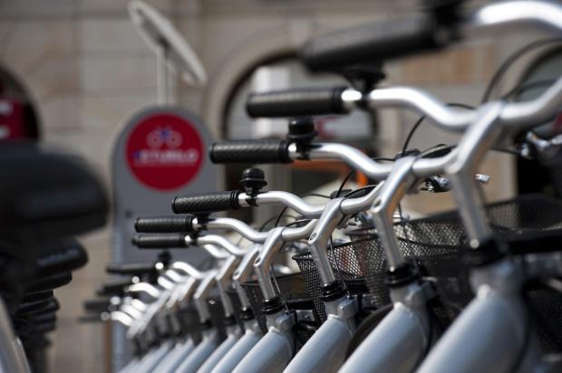 Łódź, rower miejski: Wypożyczalnie będą w 100 miejscach. Gdzie staną?