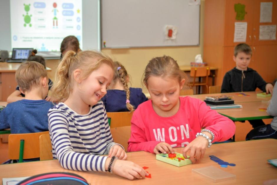 Wiceprezydent Warszawy odpiera zarzuty ws. 6-latków: Nie robimy na złość minister i nie łamiemy prawa