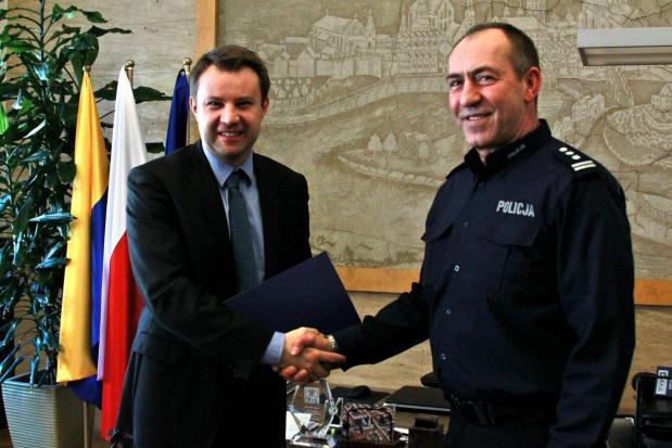 Opole: 100 tys. zł na dodatkowe patrole policji