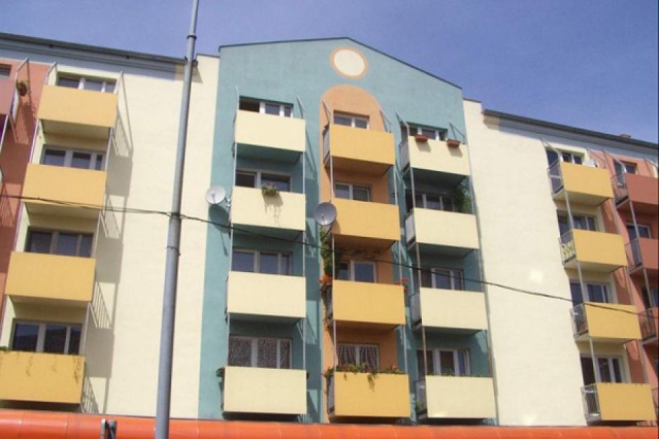 GUS: Mniej mieszkań oddanych, rozpoczętych oraz pozwoleń na budowę
