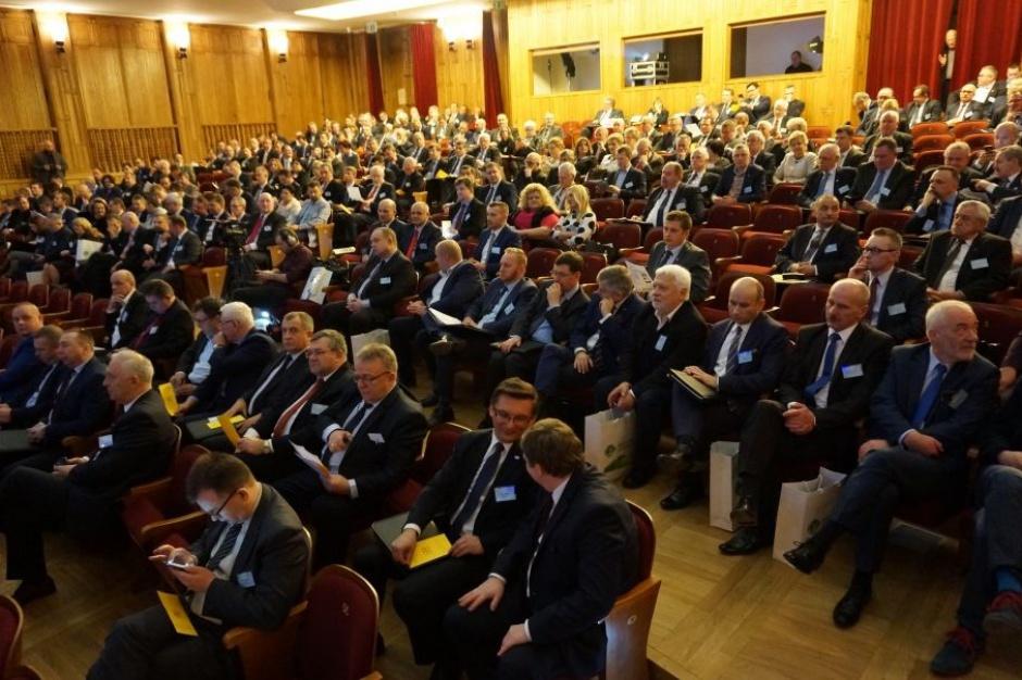 Podatek katastralny, VAT: Plan Morawieckiego szansą na nowe inwestycje w JST?