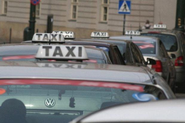 Krakowscy taksówkarze i ich samochody