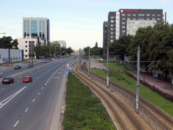 Warszawa, Służewiec: Komunikacja miejska najczęściej wybieranym środkiem transportu
