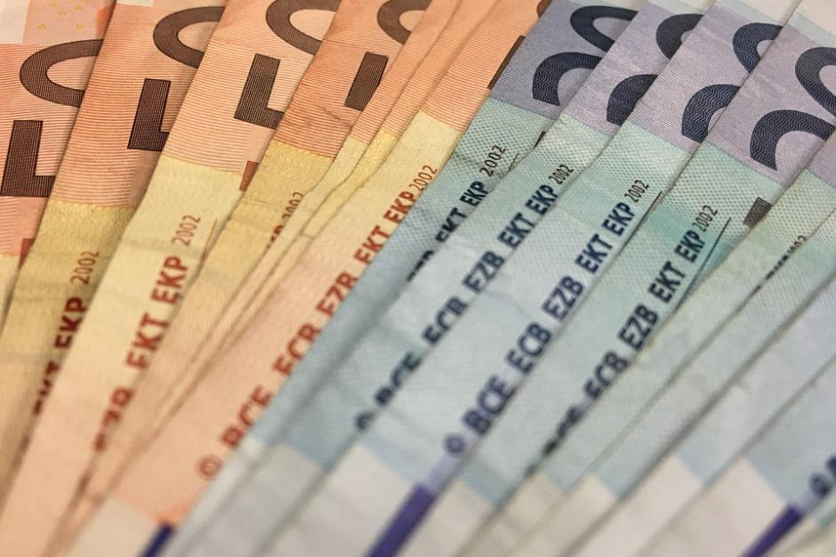 Perspektywa UE 2014-2020 r.: Polska ma opóźnienie w wydawaniu unijnych pieniędzy