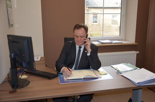 Kuczyński, burmistrz Szczuczyna: Zatrudniam przyjaciela, bo to fachowiec