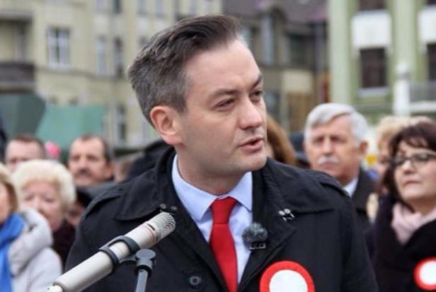 Robert Biedroń będzie rozmawiał z Beatą Szydło