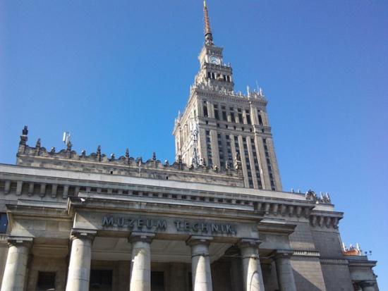 Budżet Warszawy zyskał ponad 75 mln zł. Za sprawą kampanii?