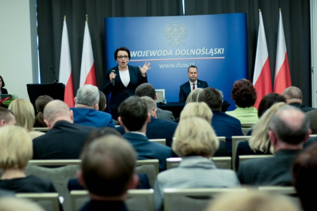Finansowanie oświaty, Zalewska: Są pieniądze na 6-latki w szkole i przedszkolu