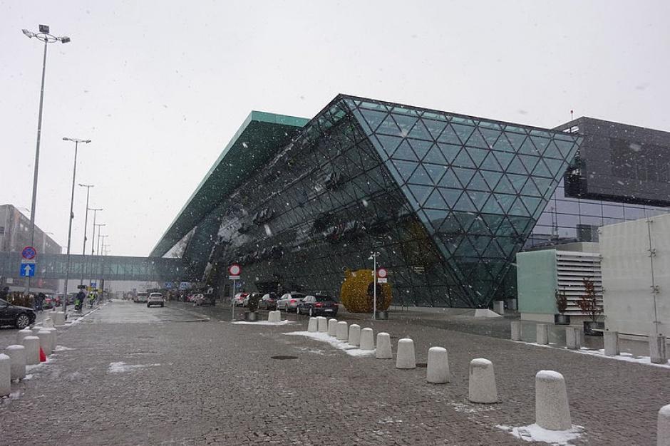Lotnisko Kraków-Balice: Chcą obsłużyć więcej pasażerów w 2016 r.