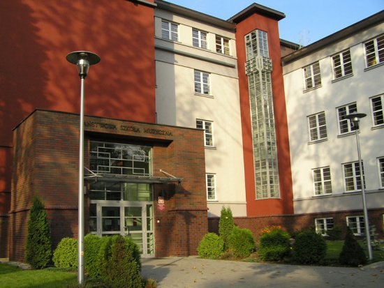 Rybnik: Szkoła muzyczna powiększy się o salę koncertową i foyer
