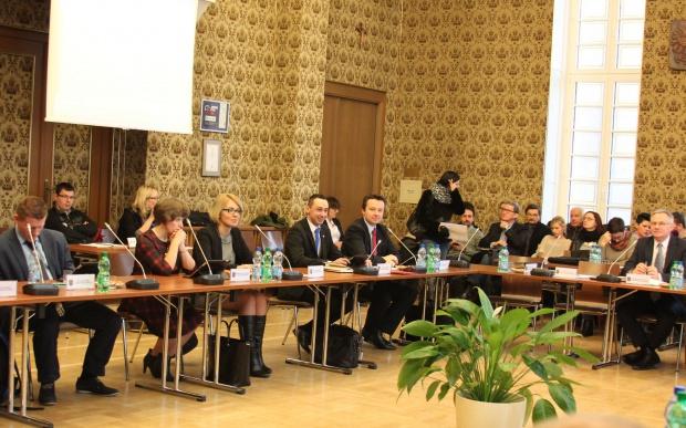 Opole: 1000 zł na 6-latki i 7-latki, które pójdą do szkoły