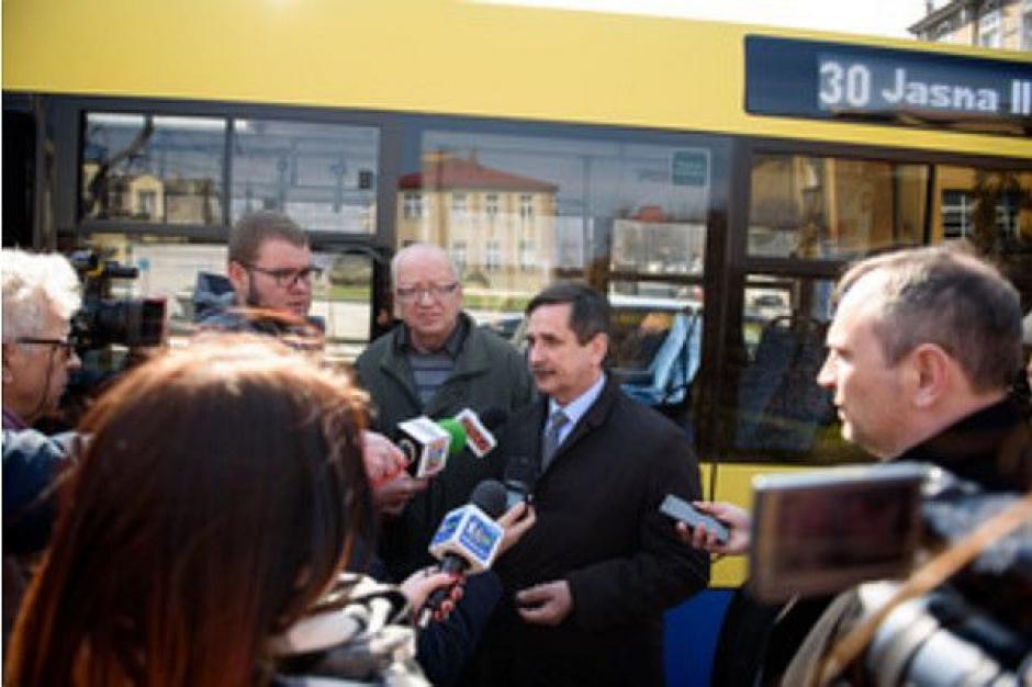 Tarnów, autobusy : System poinformuje niewidzących o numerze linii i kierunku jazdy autobusu