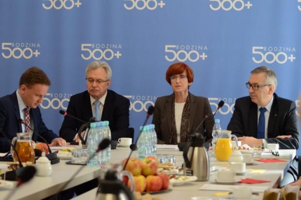500 zł na dziecko: Polacy są przeciwko programowi 500 plus?
