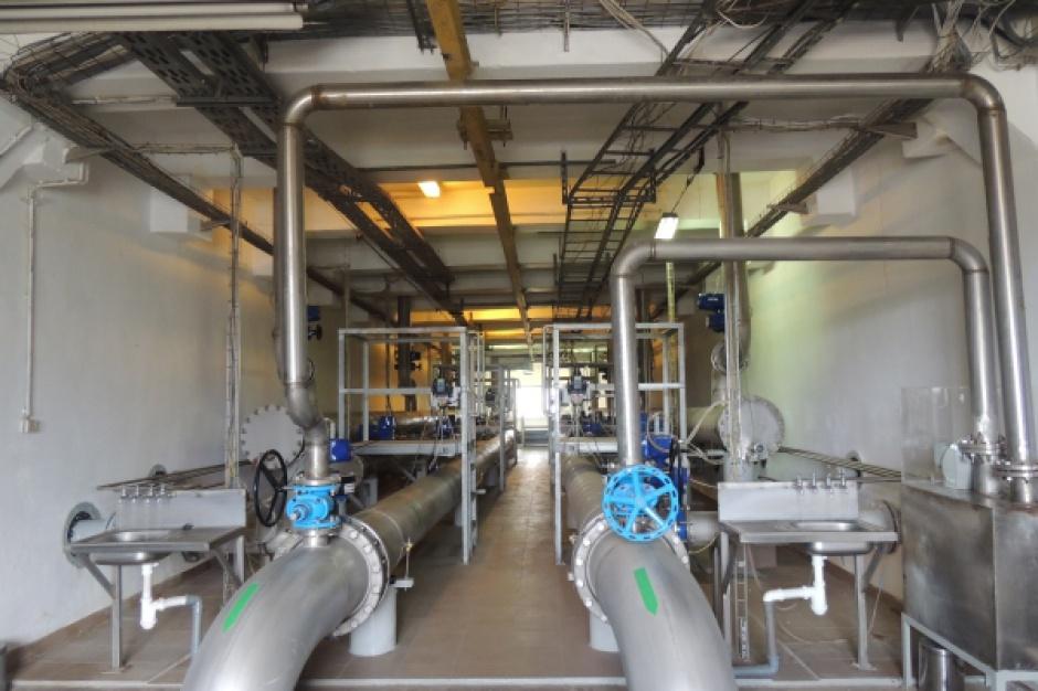 Przedsiębiorstwa wodociągowe profilaktycznie chlorują wodę