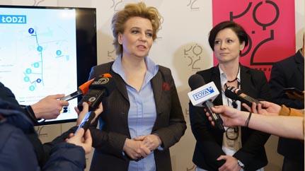 Prezydent Łodzi Hanna Zdanowska i Katarzyna Mikołajec z Zarządu Dróg i Transportu (fot..uml.lodz.pl)