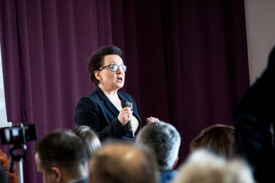 Niepubliczne szkoły i przedszkola, zmiany dotowania, Zalewska: Do samorządów wróci 100 mln zł rocznie