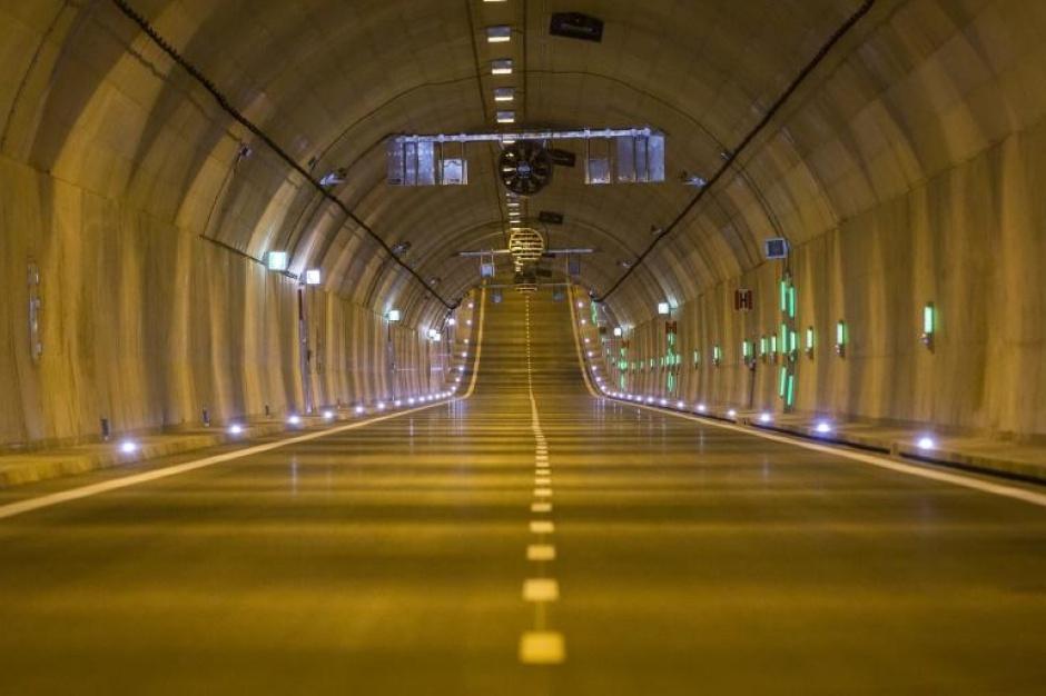 Gdańsk, tunel pod Martwą Wisła: Pierwszy podwodny tunel drogowy w Polsce gotowy
