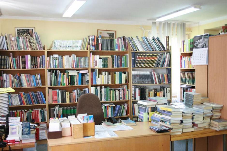"""Biblioteki muszą """"walczyć"""" o czytelników i przetrwanie"""