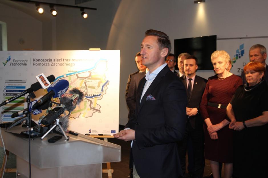 Siedemdziesiąt gmin i powiatów w sieci tras rowerowych Pomorza Zachodniego