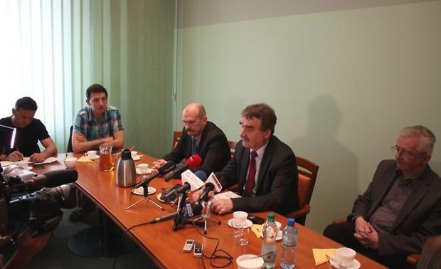 Kielce, lotnisko w Obicach: Samorząd namawia rząd do budowy lotniska centralnego