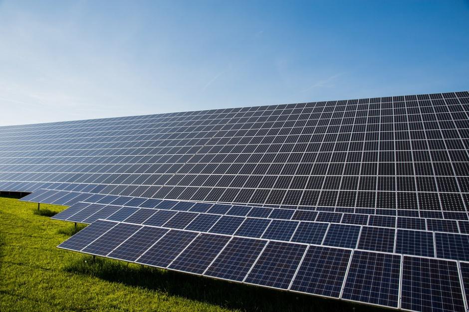 Elektrownie słoneczne tworzą miejsca pracy i zwiększają PKB