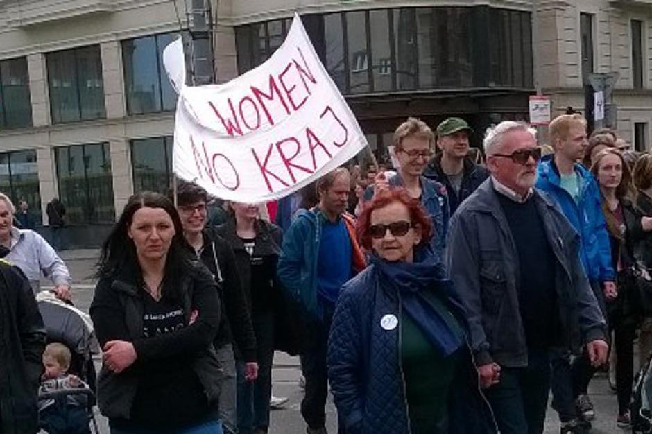 3,5 tys. osób protestowało przeciw zmianom w ustawie aborcyjnej