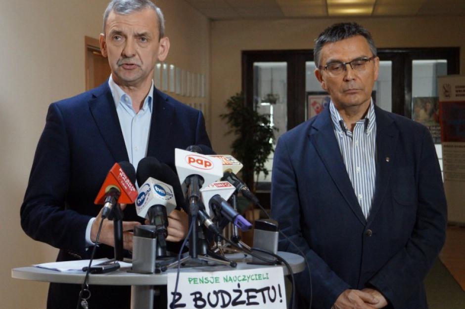 Związek Nauczycielstwa Polskiego żąda podwyżek płac nauczycieli