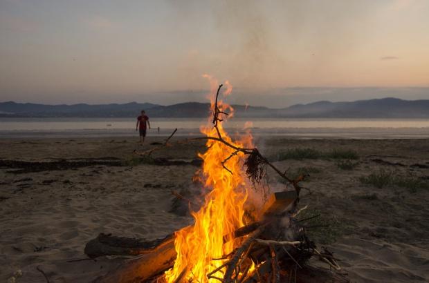 Będzie można palić ogniska na plaży? Urzędy morskie chcą zmian w ustawie