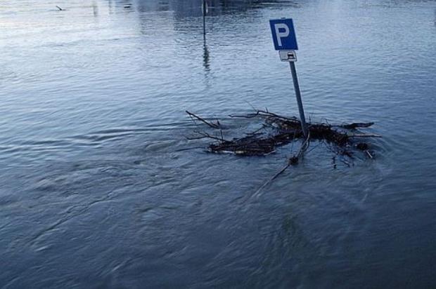 Świętokrzyskie, wichury i powodzie: Samorządy dostaną pieniądze na usuwanie skutków klęsk żywiołowych