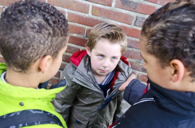 Przemoc w szkole, dyskryminacja: Kuratoria nie zawsze reagują. Dlaczego?