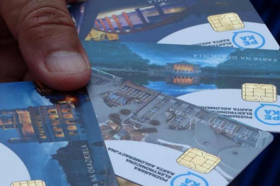 Transport publiczny: Papierowe bilety odchodzą do lamusa