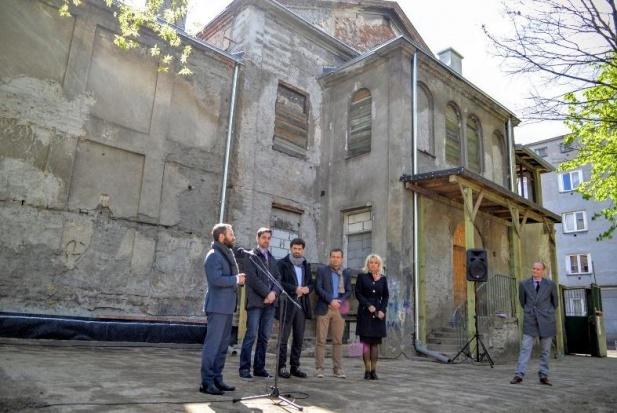 Warszawa: Od Pałacyku Konopackiego Praga zaczyna odnowę obiektów zabytkowych