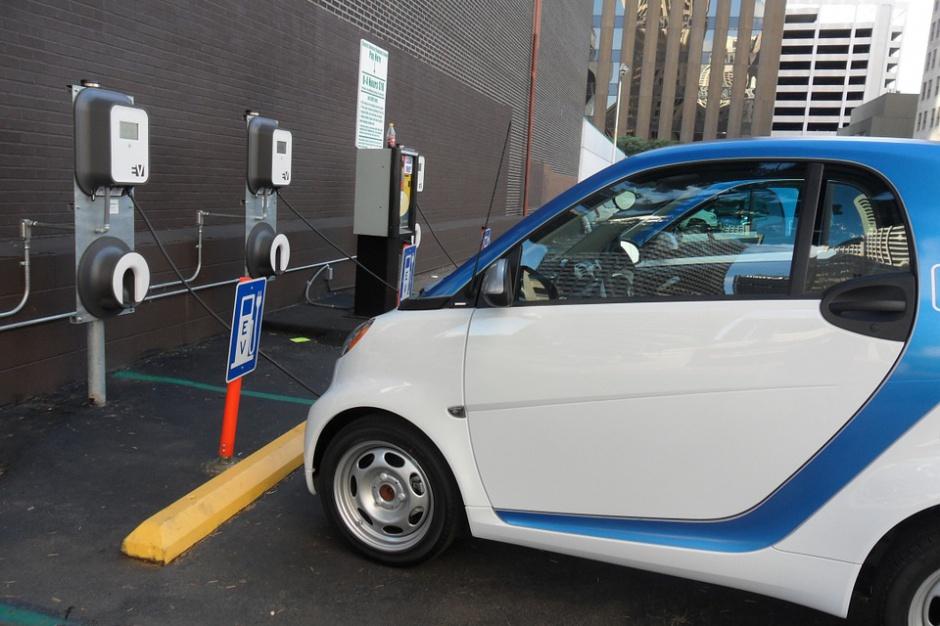 Darmowe parkingi dla samochodów elektrycznych w Rzeszowie?