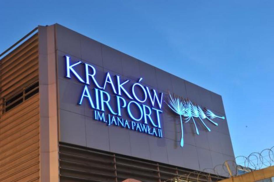 Kraków Airport: Kontrolerzy biletów pomogą turystom